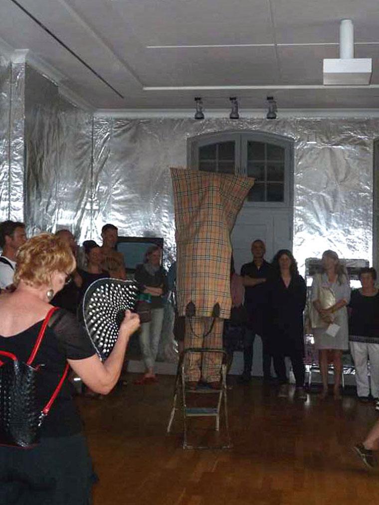 Performance van Guda Koster
